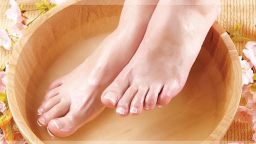 Ngâm chân cùng nước ấm