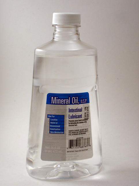 Mineral oil - Nhóm chất làm mềm da