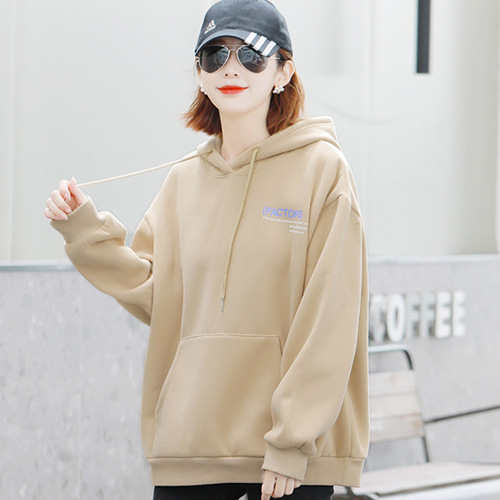 """Áo Hoodie nữ luôn là item được nhiều bạn nữ """"săn đón"""""""