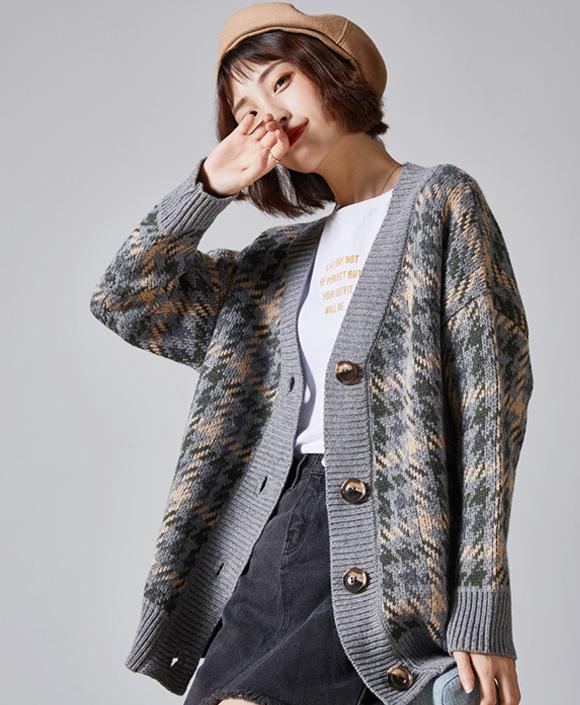 Áo khoác nữ cardigan mỏng nhẹ giúp các nàng vai thô trông duyên dáng và nữ tính hơn