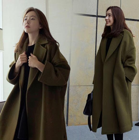 Người có vòng 1 đẫy đà nên chọn mua áo khoác dáng dài, cổ vest hoặc cổ bẻ, có thiết kế trơn và đơn giản