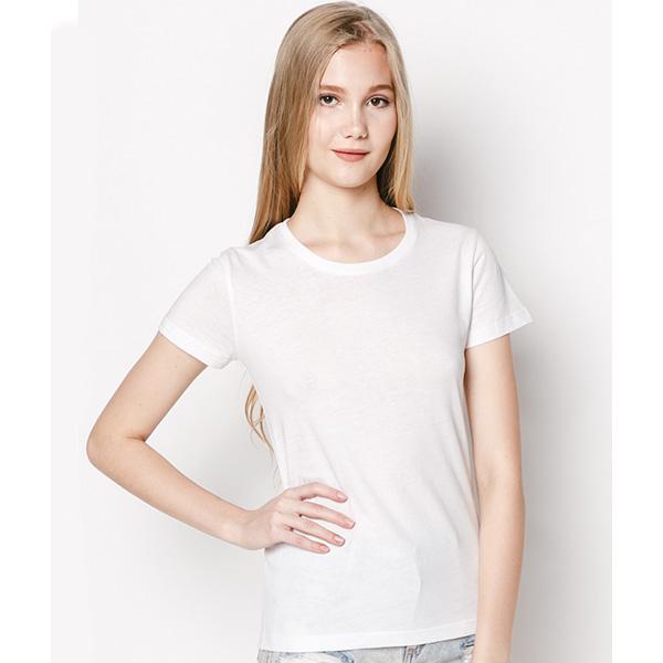 """Áo thun nữ trơn là mẫu áo đơn giản nhất, nhưng cũng chính là item """"được lòng"""" chị em nhất"""