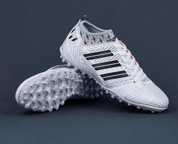 """Các đôi giày đá bóng hot """"trend"""" năm nay"""