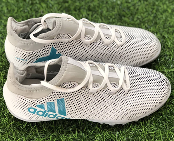Giày đá bóng Adidas X