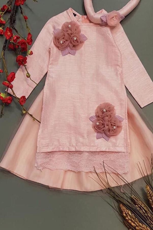 Mẫu áo dài cách tân nữ vải đũi thôi gợi nên nét đẹp thuần hậu, mộc mạc