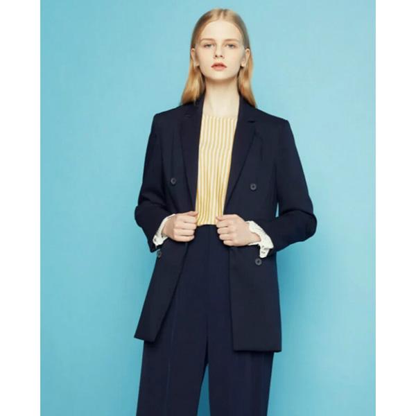 """Áo vest form dài """"chinh phục"""" rất nhiều chị em bởi kiểu dáng hiện đại, thời thượng, đậm chất Hàn Quốc"""