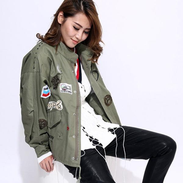 Không phụ lòng mong mỏi của khách hàng thời trang, các nhà thiết kế đã cho ra đời những mẫu áo cực chất. Giờ đây bạn muốn mua 1 chiếc áo khoác nữ bomber, hãy liên hệ với các cửa hàng thời trang uy tín.