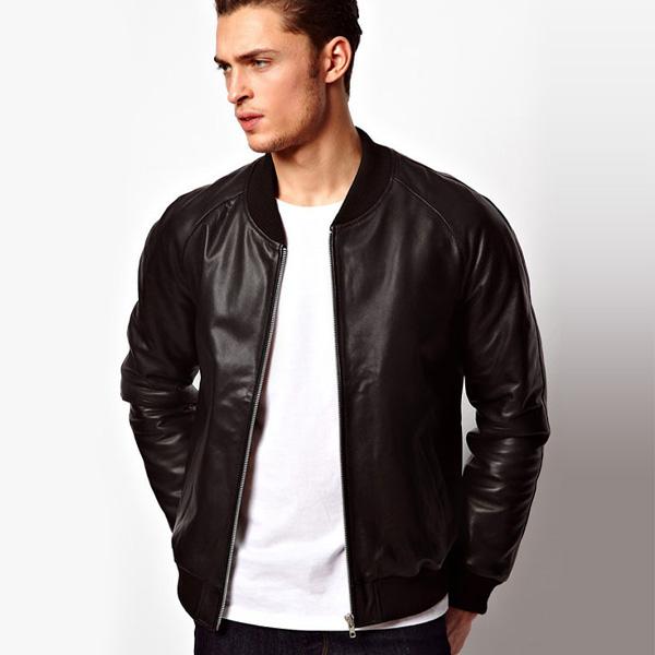 Phần lớn quý ông đều đã sở hữu ít nhất một chiếc áo khoác bomber vải da