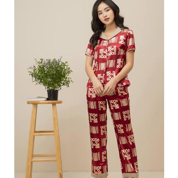 Đồ bộ mặc nhà pijama nữ đủ đầy sự sang chảnh, vừa kín đáo nhưng cũng lại vừa vô cùng gợi cảm.