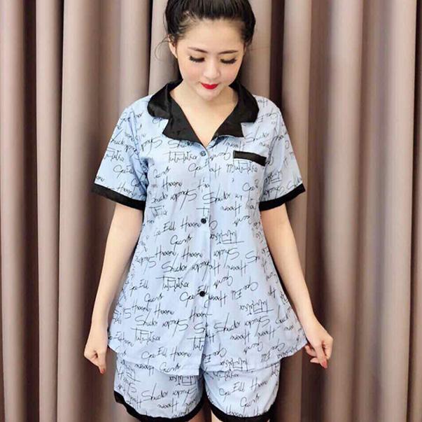 Đồ bộ mặc nhà nữ pijama đùi được khá nhiều bạn gái lựa chọn, với quần đùi tạo sự thoải mái hơn trong vận động, đương nhiên các bạn gái tự tin mặc bộ đùi pijama đa số đều là các công nàng có đôi chân xinh đẹp