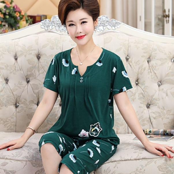 Mặc đẹp ở nhà với chị em phụ nữ là không hề giới hạn, đừng ngại chọn cho mình những bộ đồ mặc nhà nữ trung niên đẹp nhất.