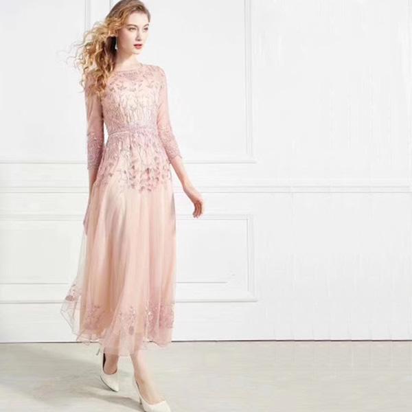 Thiết kế đầm nữ đẹp được hầu hết các nhà thiết kế thời trang nữ quan tâm
