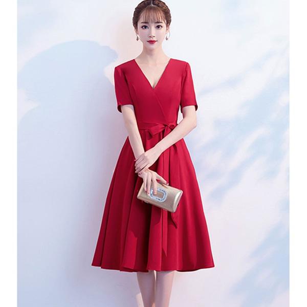 Váy xòe mang đến sự thanh lịch và nữ tính