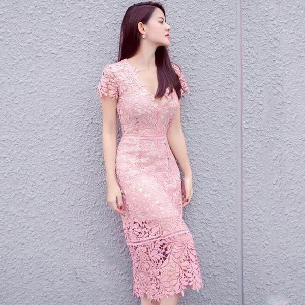 Váy ren luôn thể hiện phong cách thời thượng