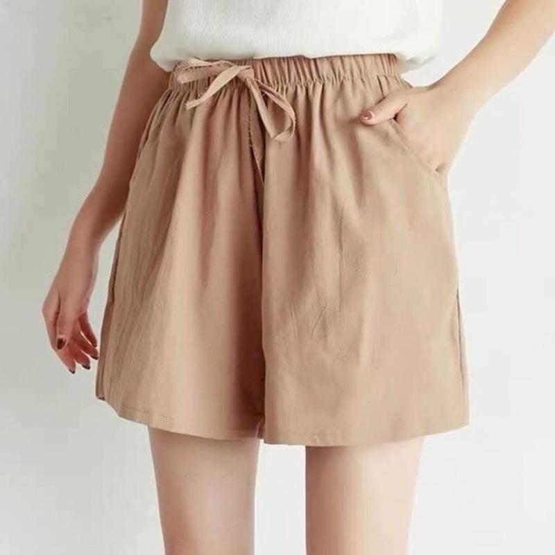 Quần short nữ vải đũi tạo cảm giác thoải mái khi mặc